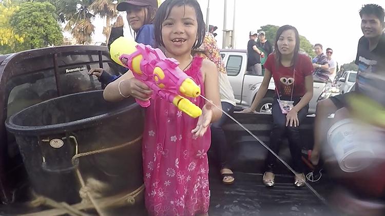 Songkran Chiang Mai 2016 - Family Water Fight