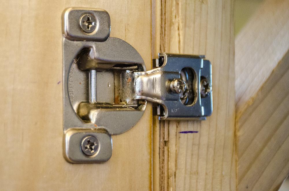 "skoolie cabinetry 1/2"" overlay hinge"